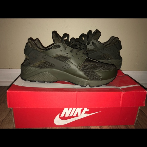 buy popular 80848 b9d34 Army Green Nike Air Huarache